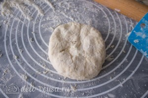 Лепешки с творогом и зеленью на сковороде: фото к шагу 11.