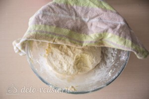 Лепешки с творогом и зеленью на сковороде: фото к шагу 5.