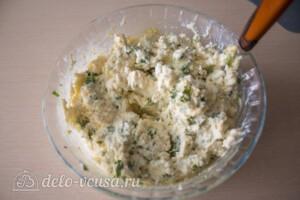 Лепешки с творогом и зеленью на сковороде: фото к шагу 8.