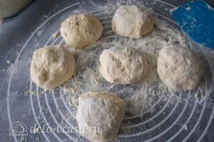 Лепешки с творогом и зеленью на сковороде: фото к шагу 9.