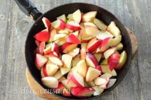 Яблочный пирог с решеткой: фото к шагу 2.