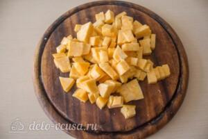 Салат с курицей, виноградом и грушей: фото к шагу 2.