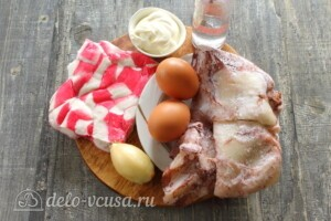 Крабовый салат с кальмарами: Ингредиенты