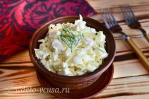 Салат с курицей, капустой и сыром: фото к шагу 7.