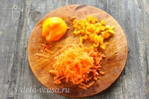 Тыквенный суп с курицей и сыром: фото к шагу 4.