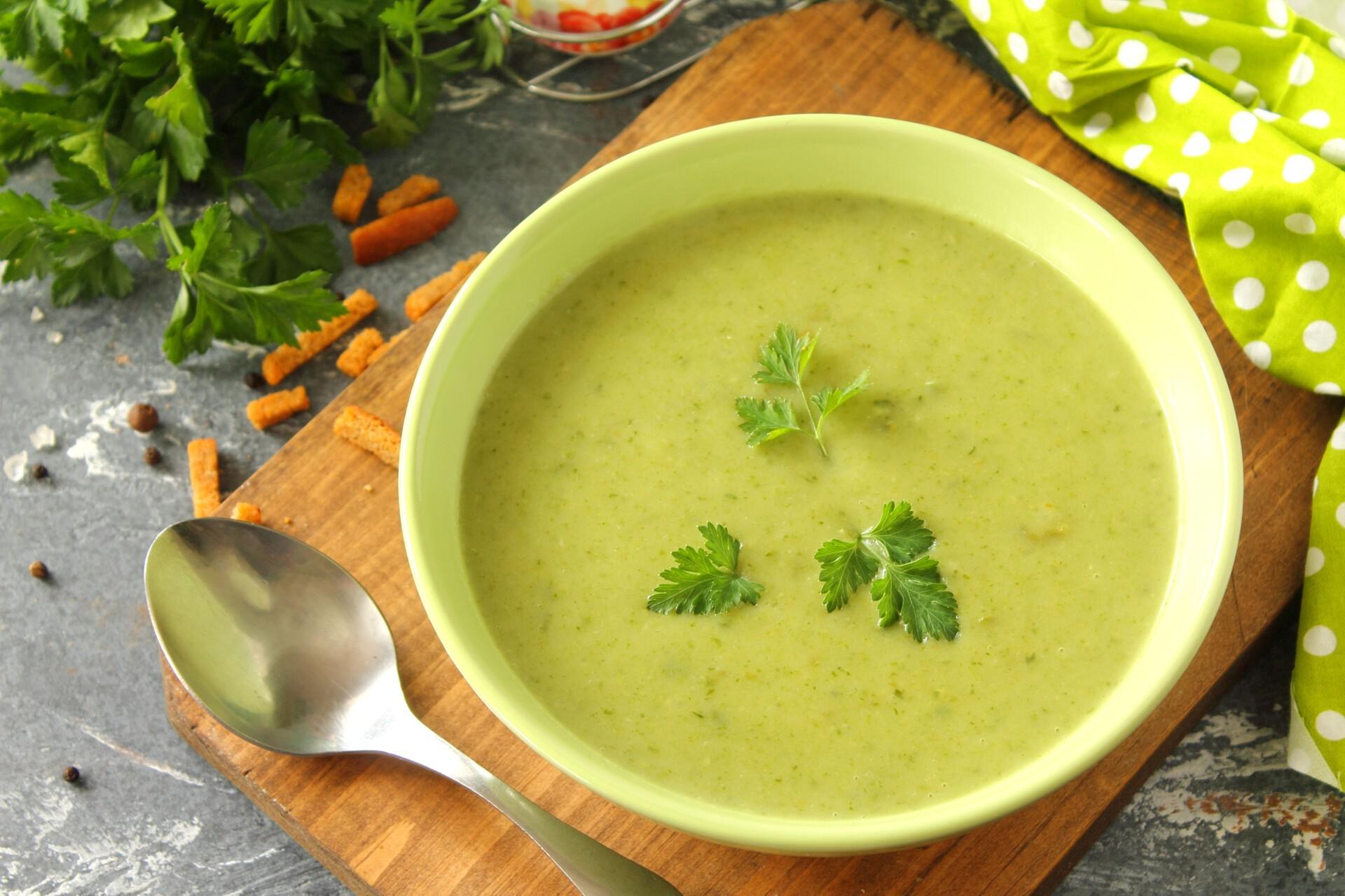 Зеленый суп-пюре из стручковой фасоли