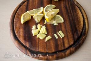 Имбирный чай с калиной и лимоном: фото к шагу 1.