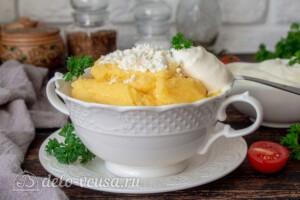 Кукурузная каша с сыром: фото к шагу 7.