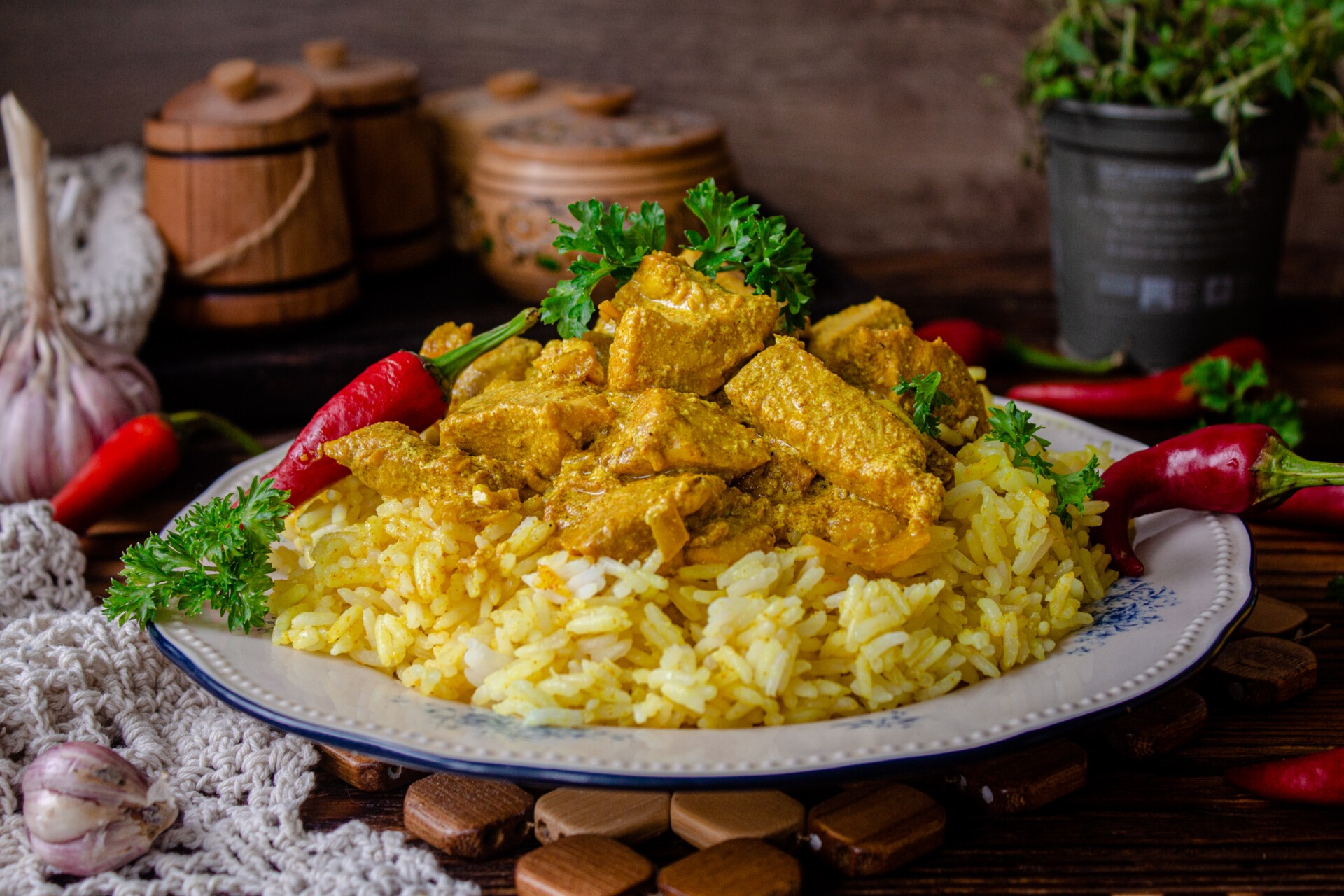 Курица карри с рисом и сливками