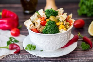 Паста-салат с овощами и сыром фета: фото к шагу 10.