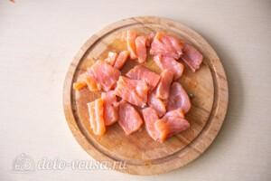 Рулет со шпинатом и красной рыбой: фото к шагу 11.