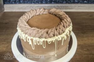 Шоколадно-карамельный торт с бананом: фото к шагу 13.