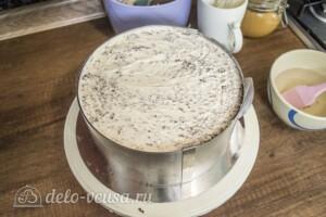Шоколадно-карамельный торт с бананом: фото к шагу 8.