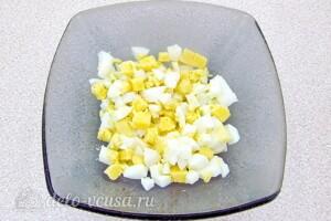 Салат с курицей, овощами и фасолью: фото к шагу 3.
