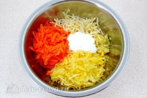 Пикантный салат из репы и сыра: фото к шагу 5.