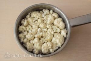 Цветная капуста, запеченная с сыром: фото к шагу 2.