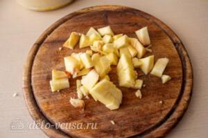 Яблочные панкейки на молоке: фото к шагу 4.