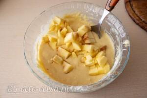 Яблочные панкейки на молоке: фото к шагу 5.