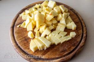 Яблочные панкейки на молоке: фото к шагу 7.