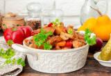 Жаркое со свининой, тыквой и овощами