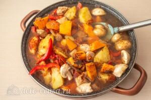 Жаркое со свининой, тыквой и овощами: фото к шагу 9.