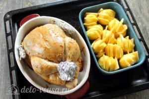 Сочная курица и картошка-гармошка: фото к шагу 10.