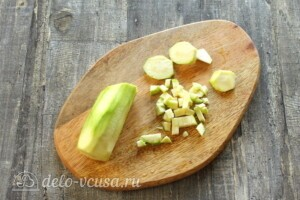 Омлет с кабачками и сыром на сковороде: фото к шагу 1.
