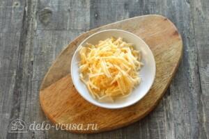 Омлет с кабачками и сыром на сковороде: фото к шагу 5.