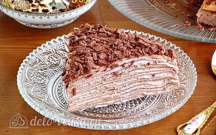 Шоколадный блинный торт с творогом
