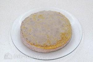 Шоколадный блинный торт с творогом: фото к шагу 16.