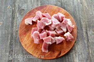 Жаркое из свинины с картошкой в мультиварке: фото к шагу 2.