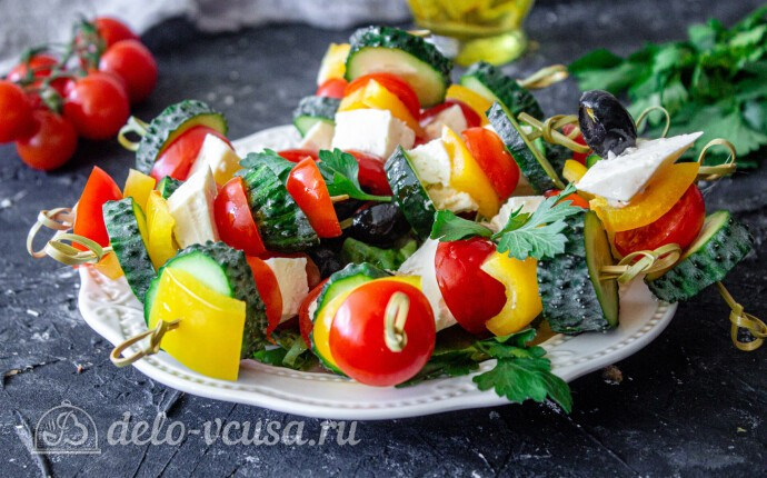 Рецепт греческий салат на шпажках