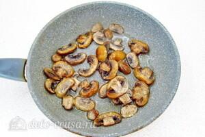 Картофельный салат с квашеной капустой и грибами: фото к шагу 3.