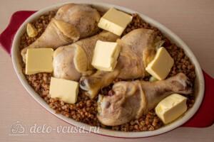 Курица с гречкой в духовке: фото к шагу 11.
