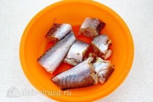 Хек с овощами и сметаной: фото к шагу 7.