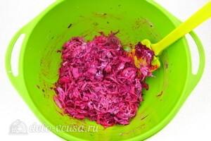 Салат из свёклы по-белорусски: фото к шагу 4.