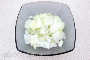 Салат из свёклы с фасолью и копчёной курицей: фото к шагу 4.
