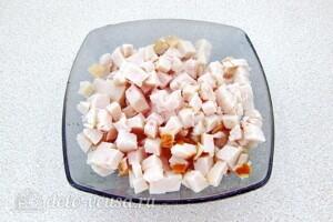 Салат из свёклы с фасолью и копчёной курицей: фото к шагу 7.