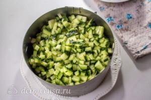 Слоеный салат с рисом и черносливом: фото к шагу 8.