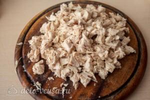 Свекольный салат с курицей и сыром: фото к шагу 2.