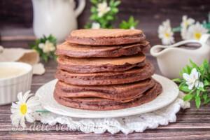 Шоколадные панкейки на молоке: фото к шагу 8.