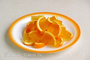 Желе в апельсинах: фото к шагу 7.