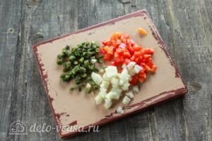 Курица, фаршированная рисом и овощами: фото к шагу 3.