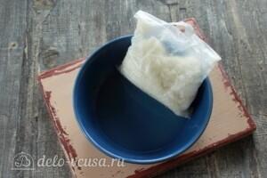Курица, фаршированная рисом и овощами: фото к шагу 4.