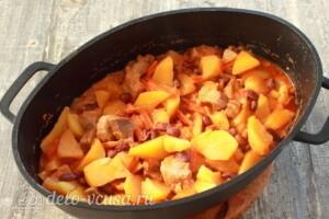 Овощное рагу с фасолью и мясом: фото к шагу 9.