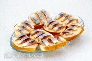 Бутерброды «Холостяцкий перекус»: фото к шагу 7.
