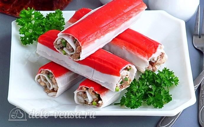 Фаршированные крабовые палочки с консервами и рисом: фото блюда приготовленного по данному рецепту
