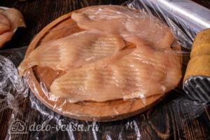 Куриные отбивные в панировочных сухарях: фото к шагу 3.