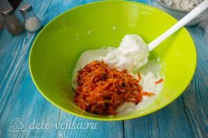 Морковный рулет со сливочным сыром: фото к шагу 6.