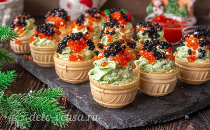 """Новогодняя закуска """"Елочки"""" из творожного сыра"""
